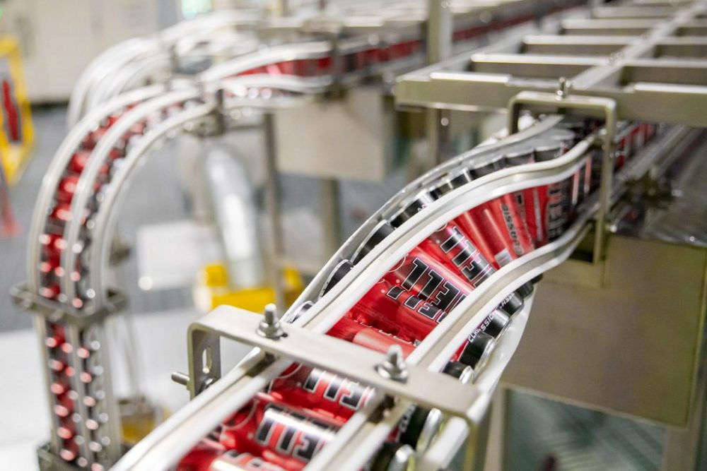 HELL ENERGY пуска нови екологични алуминиеви кенове, за да реши проблема с отпадъците